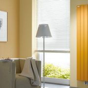 Instamat TV paneel geel